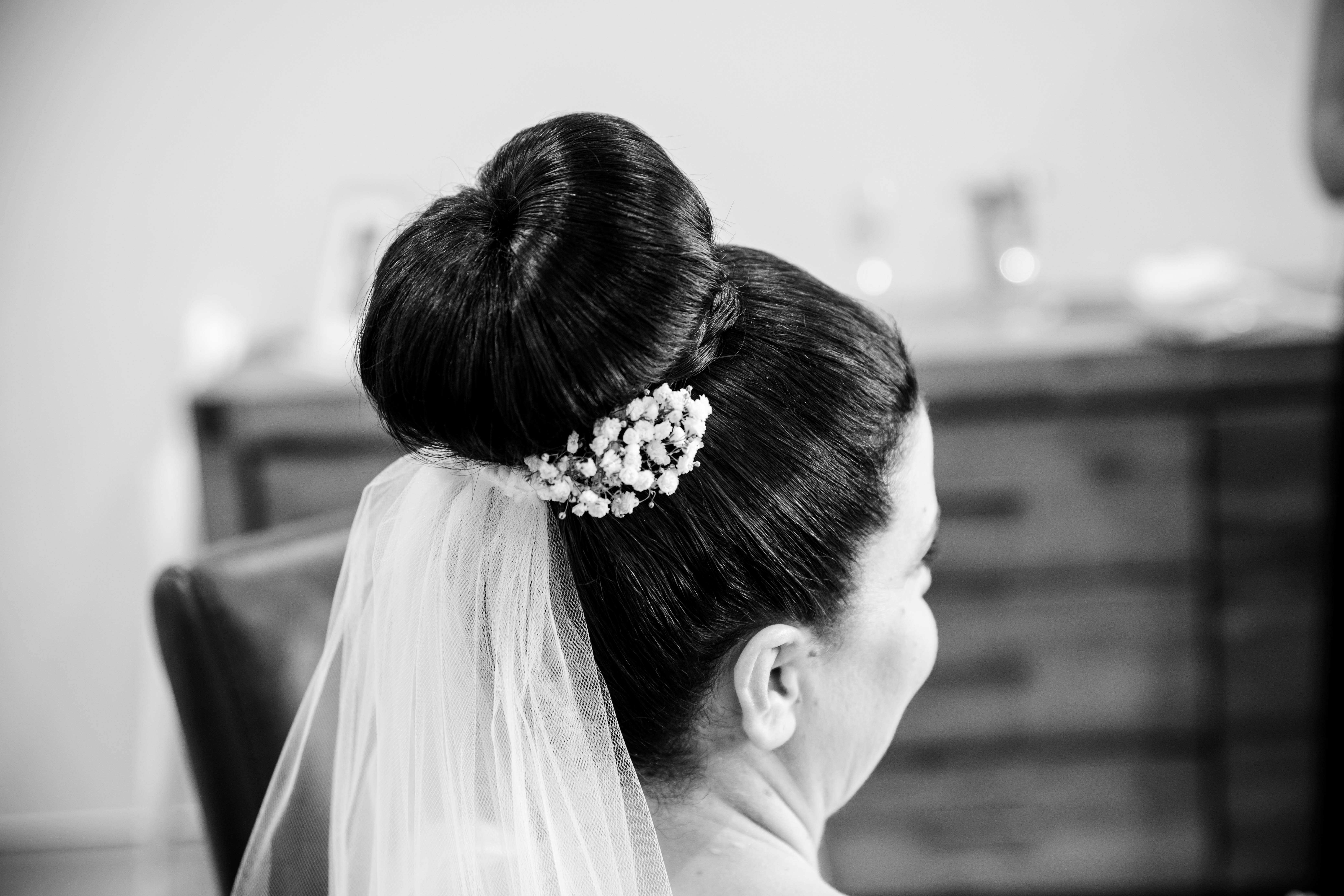 Bride Hair, Hairstyle for Bride, Black and white wedding photo, wedding image, wedding photographer, Fiona K Photography, Brisbane Wedding Photographer
